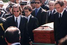 Pogrzeb Senny miał charakter państwowy uczestniczyli w nim Prezydent Brazylii Itamar Franco, odwieczny rywal Brazylijczyka z toru Alain Prost , szef brazylijskiej federacji motorowej oraz rzesze fanów mistrza Formuły 1. Pogrzeb odbył się o 14:30 czasu lokalnego i był transmitowany przez stacje telewizyjne na całym świecie.