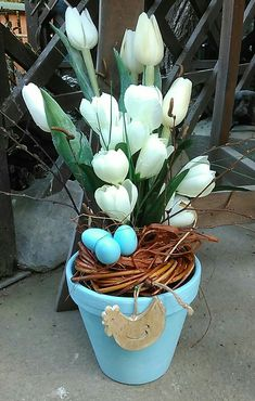 Easter And Spring Decorations. Turquoise Flower Pot With White Flowers Turquoise Flowers, White Flowers, Money Making Crafts, Easter Flowers, Flower Pots, Spring Decorations, Jar, Easter Ideas, Plants