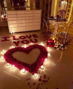 Beautiful Romantic Home For This Valentine's. If you are looking for Romantic Home For This Valentine's, You come to the right place. Here are the Romantic … Valentines Decoration, Valentines Diy, Valentine Day Gifts, Romantic Valentines Day Ideas, Valentines Surprise, Romantic Boyfriend Birthday Ideas, Romantic Ideas For Her, Birthday Room Surprise, Birthday Presents For Girlfriend