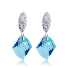 Beth Crystal Earrings  #Swarovski, #earrings  http://www.playbling.com/en/crystal-jewelry/beth-crystal-earrings-216.html