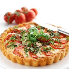 tomaatti-mozzarella piirakka