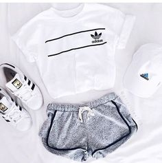 Most popular tags for this image include: adidas, outfit, sport, shoes and super… - Sport News Summer Fashion For Teens, Teen Fashion, Fashion Clothes, Fashion Outfits, Fashion Trends, Fashion Women, Fashion Inspiration, White Fashion, Fashion Online