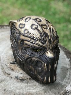Golden Jaguar - Erik Killmonger Blackpanther Golden Jaguar - Erik Killmonger from Blackpanther Movie Screen Accurate High Quality Resin Extreme Detail The Godofprops Studio never and not affiliated with or Black Panther Drawing, Film Black Panther, Black Panther Costume, Black Panther 2018, Black Panther Marvel, Male Cosplay, Best Cosplay, Armas Ninja, Erik Killmonger
