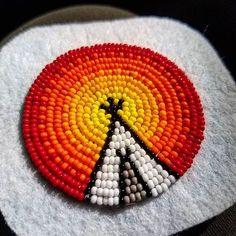Making some tipi medallion earrings ☀️ #native #nativeamerican #nativeamericanbeadwork #beadwork #beadedearrings #indigenous #inspirednativenotnativeinspired