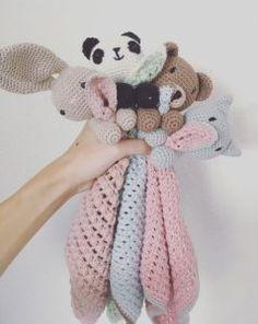 ~ Knuffeldoek Beer, Stap voor Stap Beschrijving Animal Knitting Patterns, Easter Crochet Patterns, Baby Blanket Crochet, Crochet Baby, Free Crochet, Crochet Sunflower, Fox Toys, Crochet Dragon, Cute Toys
