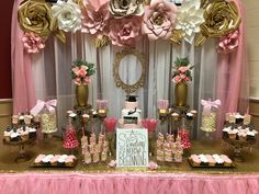 Candy Buffets & Dessert Tables - Leave it 2 Me Pink Graduation Party, Graduation Party Centerpieces, College Graduation Parties, Graduation Decorations, Grad Parties, Graduation Ideas, Graduation Gifts, Gold Party, Candy Buffet