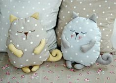 Coussin chat faisant la sieste sleeping stuffed cat pillows toy (inspiration, no pattern, cute designs for pillows, best 20 cat pillow ideas no signup