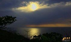 湛藍的大海、金黃色的沙灘、美麗的夕照,夢幻般的海灣美景,讓您感受最悠閒的假期時光! 只要2080元起,即可享有【小琉球-杉板灣Villa】南洋海灣渡假趣 【Gomaji團購網】http://www.gomaji.com/Travel_p74579.html