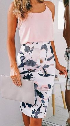 Loving this floral print detail skirt. Great outfit for Spring. Beautiful grey clutch! Give STITCH FIX a try today! #sponsored