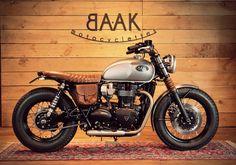 ϟ Hell Kustom ϟ: Triumph Bonneville T120 By Baak Motorcycles