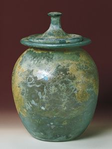 Large jar used to hold the cremated remains of the deceased: mid 1st century A.D.
