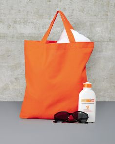 A shopper bag is the ideal accessory wether you're visiting the beach or popping to the shops.  (3842SH)