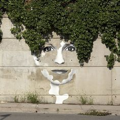 28 Pieces Of Street Art That Cleverly Interact With Their Surroundings.  #StreetArt #ArtisanLife.