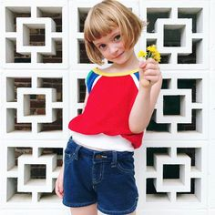 Karla Jean Davis さん( 「Always bringing me flowers. Little Girl Hairdos, Modern Short Hairstyles, Natural Hairstyles, Girls Cuts, Pretty Little Girls, Poses References, Cute Young Girl, Girl Haircuts, Toddler Hairstyles
