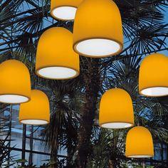 Modo Luce Campanone Pendellampe Ø 33 cm orange Light Reflection, Beautiful Lights, Pendant Lamp, Wall Lights, Table Lamp, Shapes, Orange, Lighting, Products
