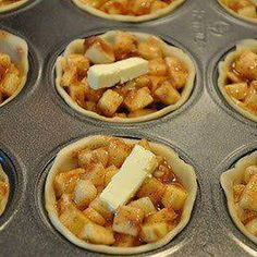 Mini Apple Pies-Just 1 of 24 YUMMY muffin tin recipes! Muffin Pan Recipes, Apple Pie Recipes, Muffin Pans, Apple Pie Recipe Easy, Fall Recipes, Yummy Recipes, Recipies, Delicious Desserts, Dessert Recipes