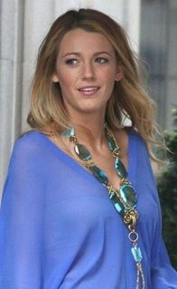 Here we have Blake Lively who has a big stone statement necklace. The reason this became a trend was because of the natural look the stone adds the any outfit.
