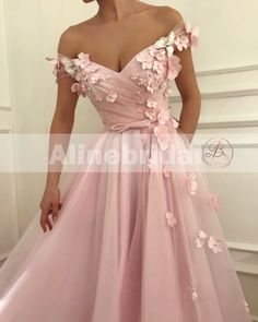 Buy Flowers Beaded V Neck Off the Shoulder Prom Dresses Long Tulle Evening Gowns online.Shop short long ombre prom, homecoming, bridesmaid evening dresses at Couture Candy Cocktail party dresses, formal ball gowns in ombre colors. Cute Prom Dresses, Ball Dresses, Elegant Dresses, Homecoming Dresses, Pretty Dresses, Beautiful Dresses, Beaded Dresses, Prom Dresses Flowers, Baby Pink Dresses