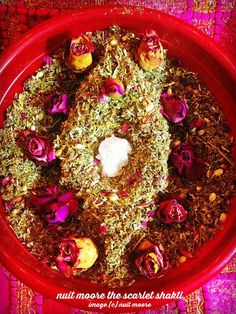 I was blending up a fresh batch of my organic herbal yoni steam blend last night (each batch I hand blend with love and healing intention), and as I began to cup it in my hands in gratitude, a yoni started to shape itself! Click photo for full FB post <3 #yoni shakti goddess the red tent wise woman tradition