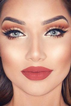 Top Rose Gold Makeup Ideas To Look Like A Goddess ★ See more: http://glaminati.com/charming-rose-gold-makeup-looks/