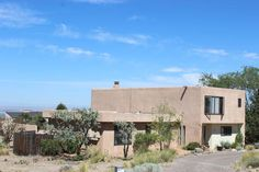 Gorgeous 4 bedroom home in Albuquerque! Only $2000/mo.