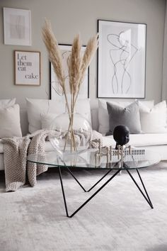 Dekoration Wohnung 9 Cozy living room ideas for 2019 - Daily Dream Decor Fall Living Room, Cozy Living Rooms, Apartment Living, Modern Apartment Decor, Beige Living Rooms, Living Room Storage, Living Room Modern, Kitchen Living, Small Living