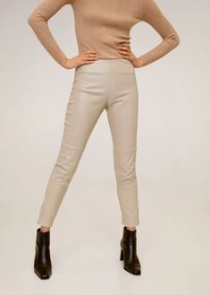 Skinny fit Cropped design Medium waist Welt pocket on the back Button closure on the bottom Side zip fastening Slim Fit Trousers, Trousers Women, Pants For Women, Mango, Midi Shirt Dress, High Leg Boots, Ankle Boots, Stretch Dress, Tweed Jacket