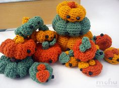 crocheted pumpkin pile!
