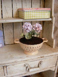 Strainer flowers for dollhouse Miniatures by MiniEdenTienda
