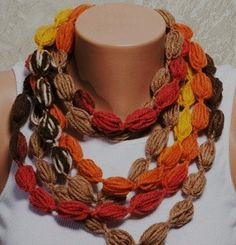 Bon-bon crochet necklace/scarf - pattern and tutorial