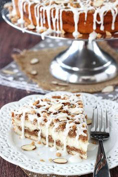Toffee Almond Streusel Coffee Cake - so delicious with streusel on top and in the middle! BAILEYS® Coffee Creamer makes is super moist too!