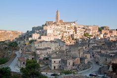 Scavate nella roccia o a picco sul mare, ecco le città più suggestive d'Italia - Repubblica.it