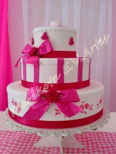 bolo fake pink e branco