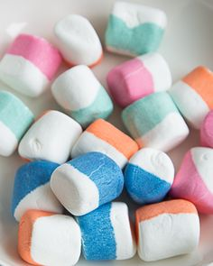 Dip-Dyed Marshmallows - makes the most FESTIVE hot chocolate ever! - Day 20: Sweet Paul Holiday Countdown presented by Mrs. Meyer's Clean Day #sweetpaul @mrsmeyersclean #HomeGrownInspiration