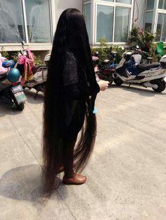She comb floor length long hair like a cloak ,,photo,China Long Hair Medium Long Hair, Long Black Hair, Long Layered Hair, Really Long Hair, Super Long Hair, Night Hairstyles, Down Hairstyles, Rapunzel Hair, Hair Affair