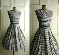 1950s Gingham Dress / Vintage Summer Dress. Bought it and now it's mine :)