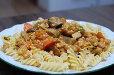 fazuľovo - šampionova s tofu Tofu, Spaghetti, Food And Drink, Vegan, Ethnic Recipes, Diet, Vegans, Noodle