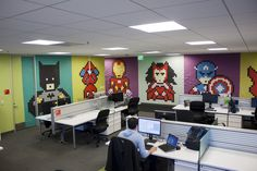 Amazing large scale superhero wall art made using Post-it notes!