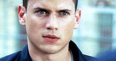 Prison Break Gifs | It's prison, yo! Michael Scofield, Big Sean, Sons Of Anarchy, Nick Jonas, Prison Break 3, Wentworth Miller Prison Break, Leonard Snart, Actor Picture, Cute Actors