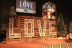 Pallet Testimonies - Church Stage Design Ideas - Scenic sets and stage design ideas from churches around the globe. Church Christmas Decorations, Christmas Stage, Bühnen Design, Design Ideas, Church Stage Design, Church Interior, Photo Booth Backdrop, Stage Set, Stage Lighting