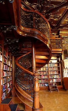 misssilv:Ervin Szabo Library, Budapest… Love the wood and iron work. The old world look showcase the books perfectly