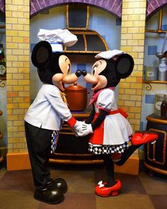 いいね!170件、コメント3件 ― Mickey Mouseさん(@magical_mickey_mouse)のInstagramアカウント: 「Picture Credit to: @theperformer26 According to the FDA, love cannot be an ingredient but its a…」