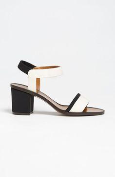 Fendi Sandal : Dream Shoe