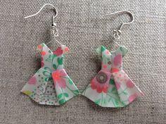 Boucles d'oreille robes ivoires à fleurs en origami : Boucles d'oreille par p-tite-pomme