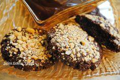 Σοκολατένια μπισκότα με φουντούκια και γλάσο σοκολάτας αλά Sofeto,χωρίς ζάχαρη και με λίγα λιπαρά. Cooking Time, Muffin, Food Porn, Healthy Eating, Pie, Cookies, Breakfast, Desserts, Recipes