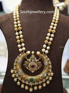 South sea pearl mala with chandbali pendant photo Pearl Necklace Designs, Jewelry Design Earrings, Gold Earrings Designs, Beaded Jewelry, Gold Jewellery, Gold Necklace, Pearl Jewelry, Tikka Jewelry, Pandora Necklace