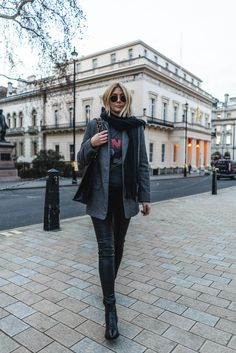 Grey Blazer and black scarf and black leather pants wi… Women's Fall Fashion. Grey Blazer and black scarf and black leather pants with black boots. Chic style by Emma Hill Leather Trousers Outfit, Tweed Trousers, Black Leather Pants, Leather Blazer, Grey Leather, Black Boots, Blazer Outfits For Women, Trouser Outfits, Lederhosen Outfit
