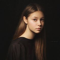 by Paul Apal'kin - Photo 146777919 - Portrait Images, Portrait Art, Beauty Portrait, Female Portrait, Fine Art Photography, Portrait Photography, Feminine Photography, Classic Portraits, Portrait Lighting