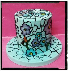 Tarta con decoracion variada
