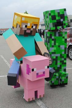 Comic con!!! The creeper always scares me my house is very important and I have like six chests completely filled up with really important things and when one blows up I have to somehow get all that stuff and put it back in the chests!!!